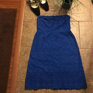 Old Navy bllue eyelet strapless dress (pre owned)